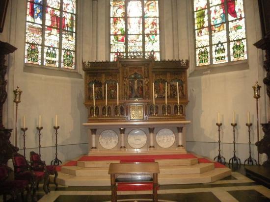 Le Maître-Autel de la première messe